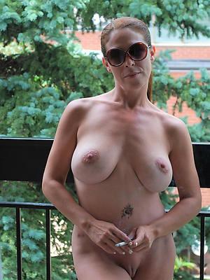 porn pics of mature single women