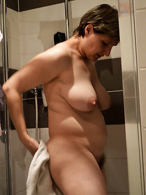 naked grown-up amateur moms stripped