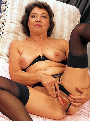 slutty mature older pussy nude pictures