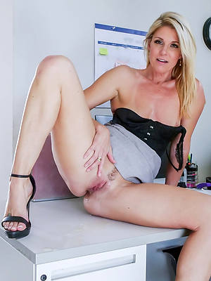 porn pics of mature gold pussy