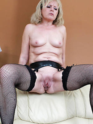 naught mature blond pussy pictures