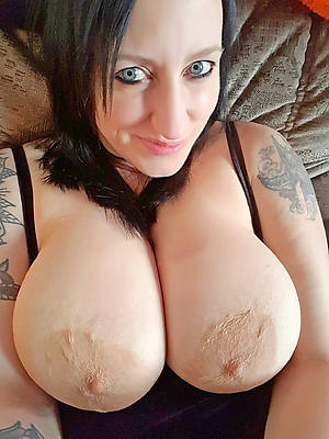 mature women with tattoos gallerries