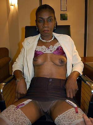 colored hair matured black pussy
