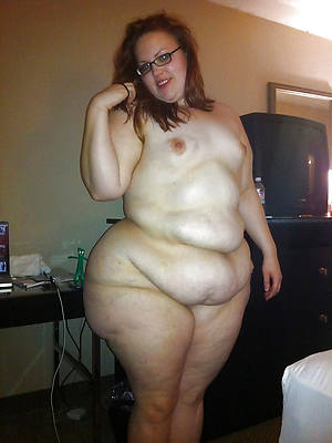 chubby pest mature posing nude