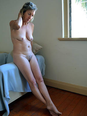 old mature ladies posing nude