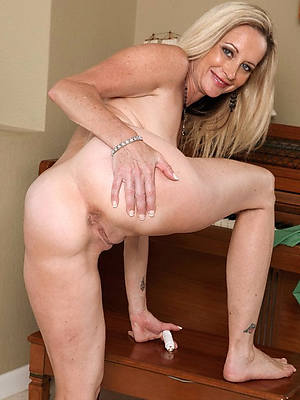 perfect horny amateur mature