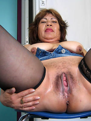 gorgeous latina mature pics
