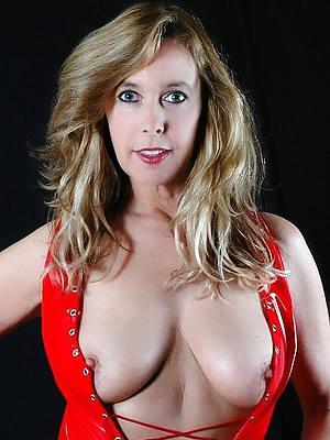 slutty low-spirited mature models nude pics
