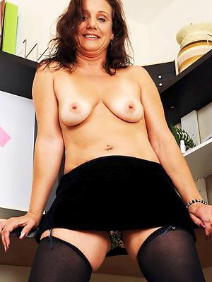 sexy saggy mature tits posing defoliate