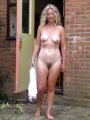 arbitrary mature wife photos