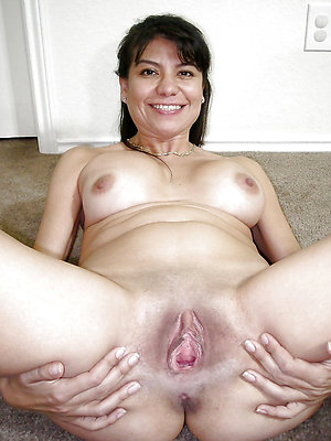 nude adult latinas posing nude