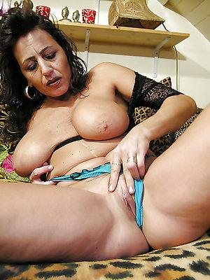 unembellished latina mature pussy pics