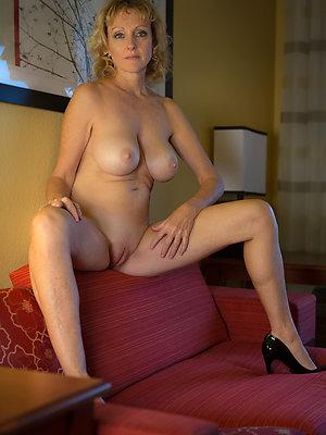 nasty mature womens legs pics