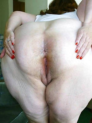 big booty mature milf lay bare