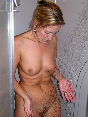 real naked adult in the shower pictures