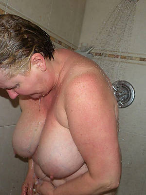 mature in the shower porn sheet download