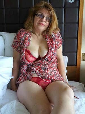 pornstar amateur grown up women in glasses