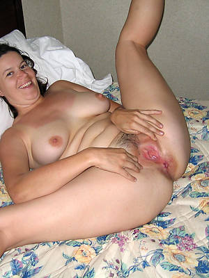 mature mums nude pictures