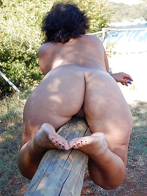 naked thick mature asses stripped