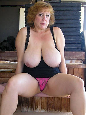 big breasted mature women pics