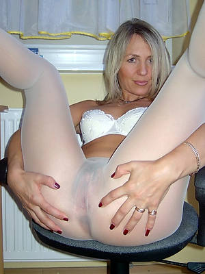 mature legs less nylons porn video download