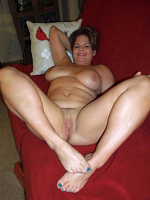 porn pics of mature women with pretty feet