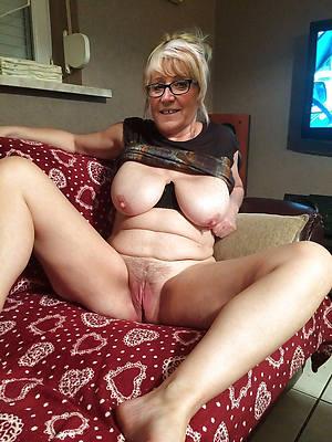 pretty older women titties nude