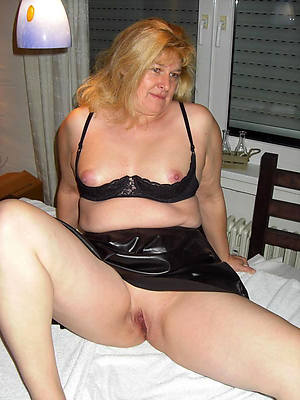 naked mature fat bbw stripped