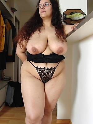 naked women over 60 perfect body