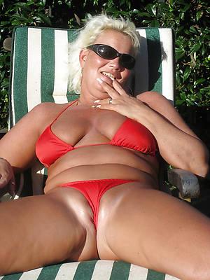 busty amatuer mature moms in bikinis sex pics
