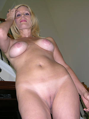mature white pussy cunt lips
