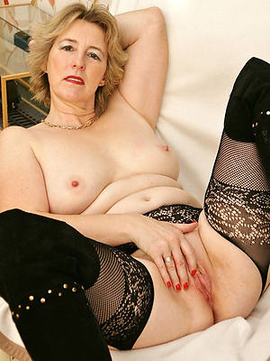busty amatuer naked beautiful blonde mature