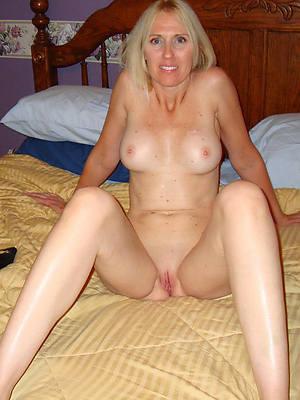 petite mature sexy blonde