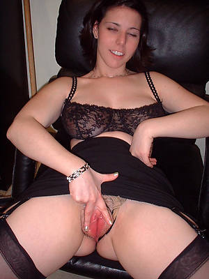 sexy bared mature big vagina stripped