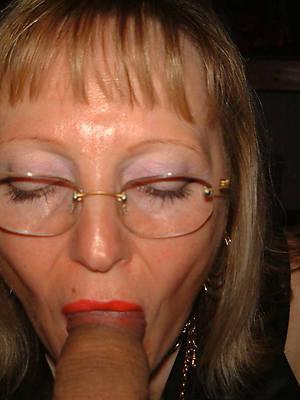 porn pics of naked mature mom blowjob