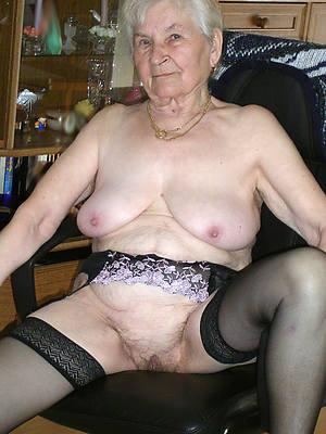 adult grandma posing nude