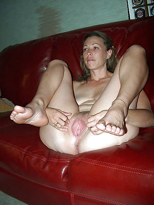 mature sexy feet cunt lips