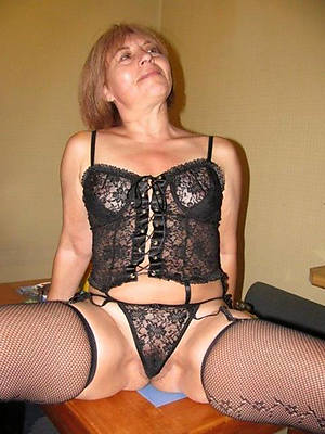 mature wives in stockings naked porn pics