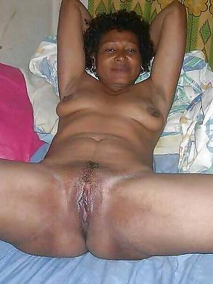 xxx mature ebony mom nude pics