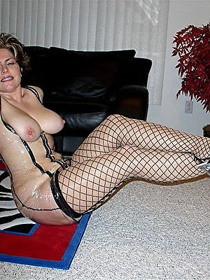sexy mature woman in heels posing nude