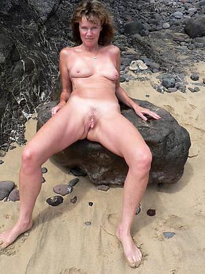 naked mature throbbing legs porn pics