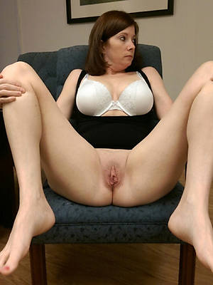 mature pang legs perfect body