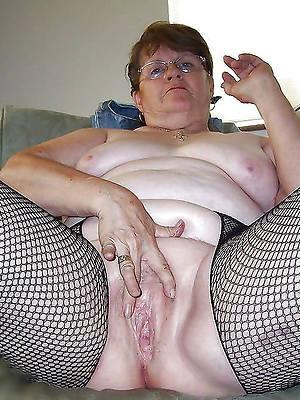 mature mammy masterbating gut nude