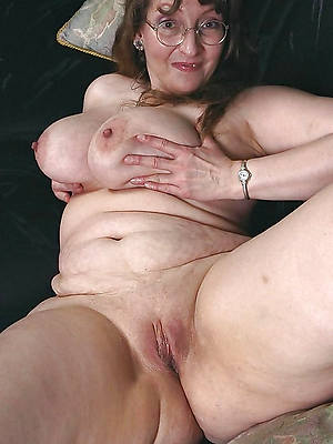 hotties mature granny pussy porn photos