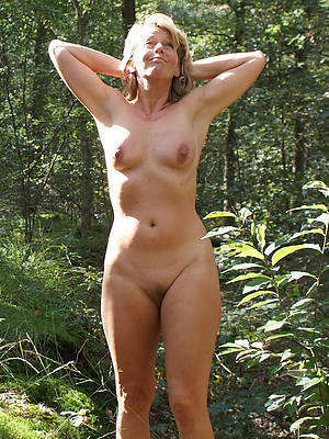sexy hot outdoor mature nudes photo