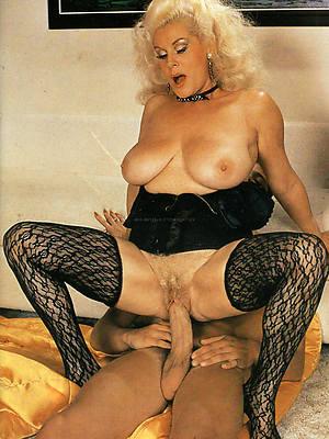 vintage mature women posing nude