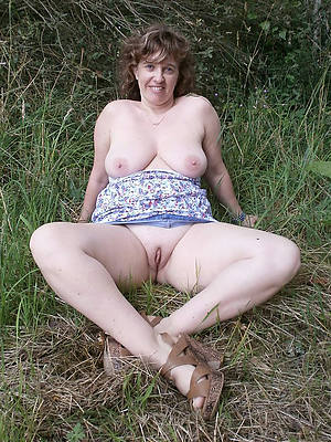 mature shaved pussy total crowd