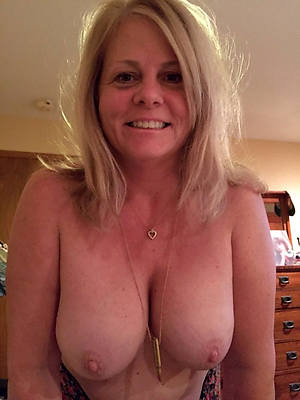 mature pussy self strive dirty sex pics