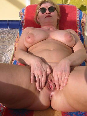 tight-fisted mature pussy eroticax