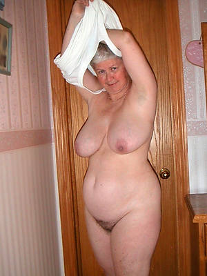saggy grannies posing nude